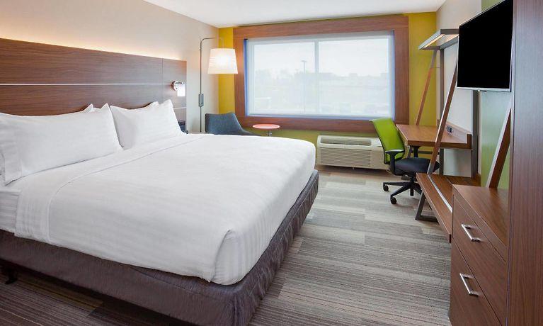 Holiday Inn Express Suites Des Moines Downtown Des Moines Ia